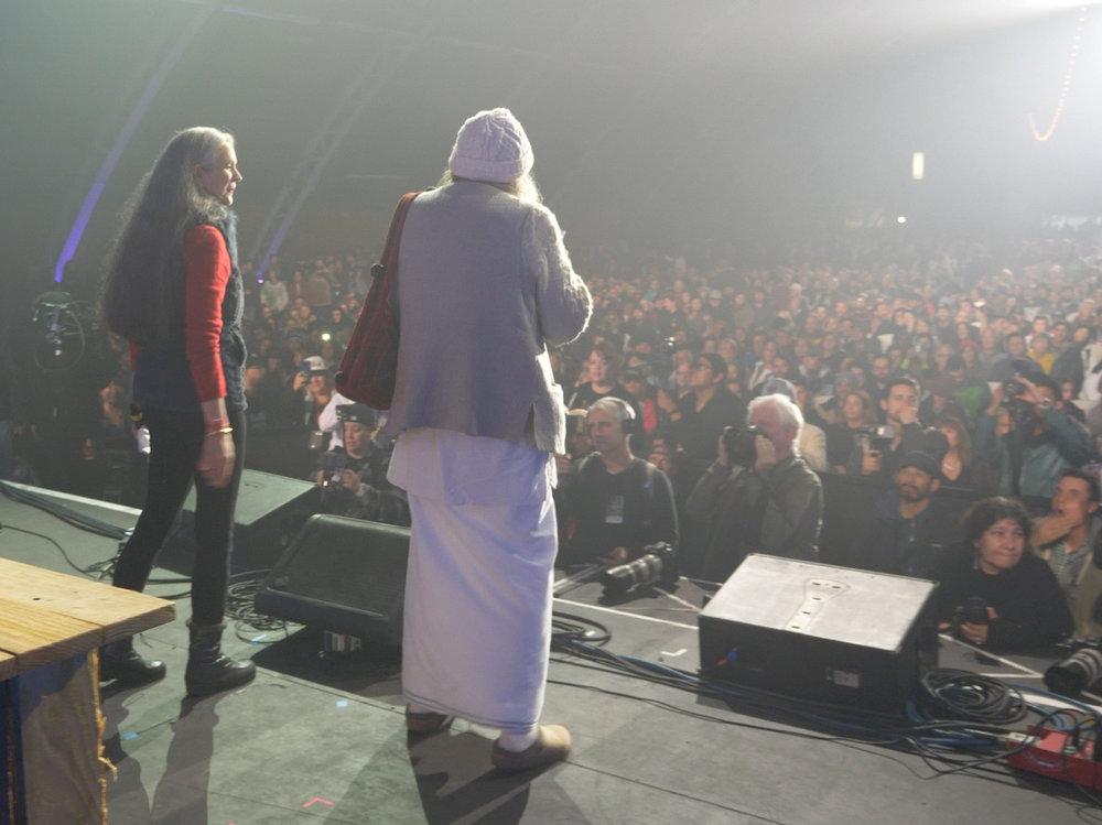 Nikki & Swami onstage at the 2016 Emerald Cup  (photo by Pat Gilles)