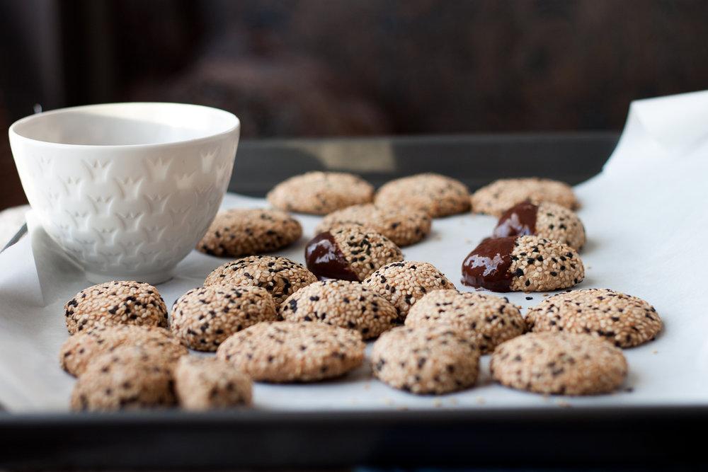 tahinicookies2.4.14.11wfff-1.jpg