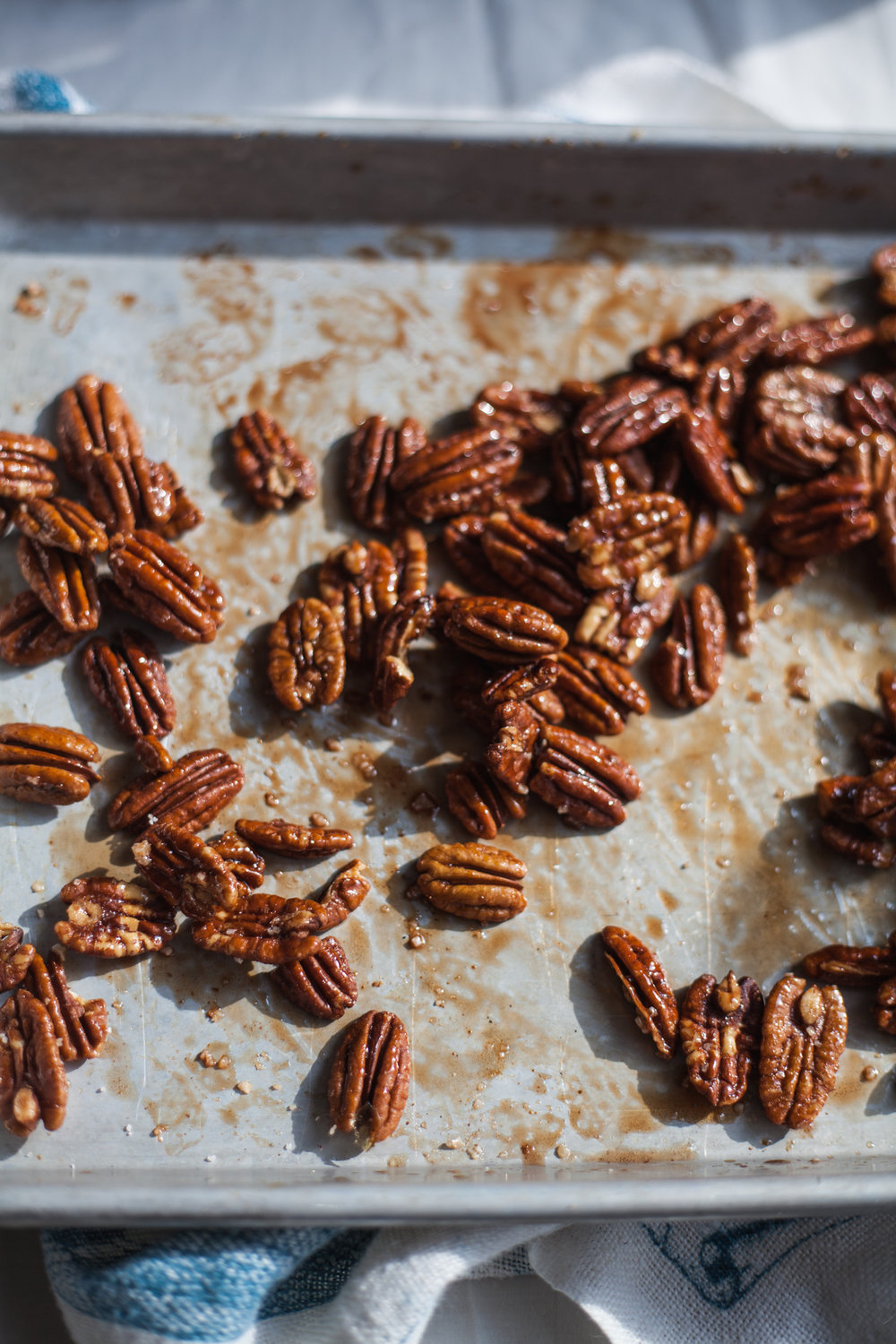 salted maple cayenne pecans | recipe via will frolic for food