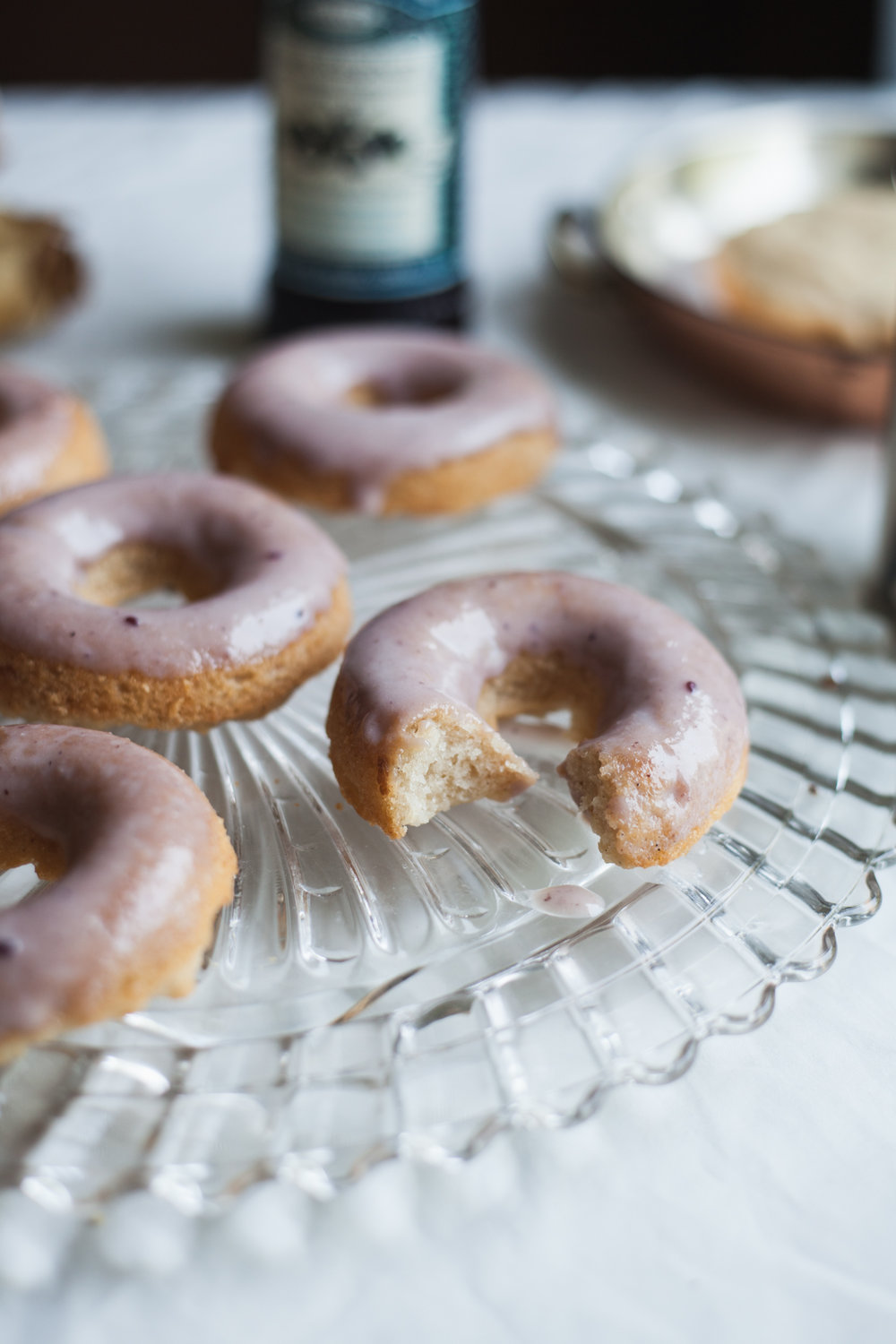 black raspberry cardamom cake donuts (vegan, gluten free) | recipe via will frolic for food