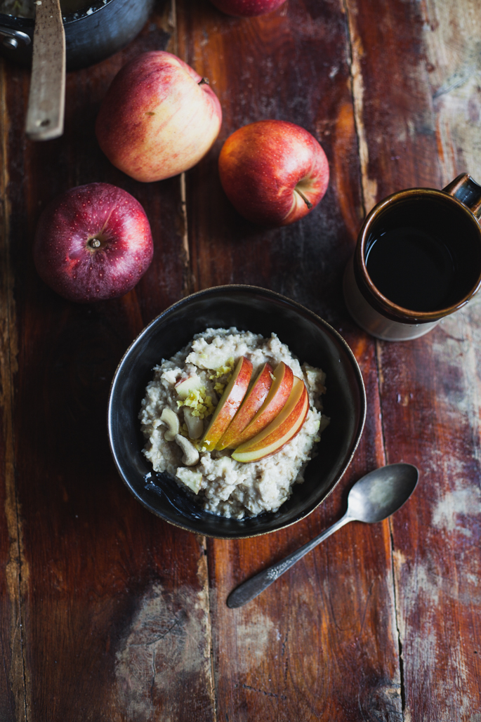 apple ginger cashew cream oatmeal for a warming fall breakfast | vegan and gluten free recipe via will frolic for food