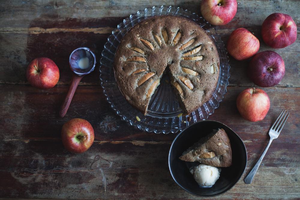 apple-chai-cake-pinenuts-gluten-free-9453.jpg