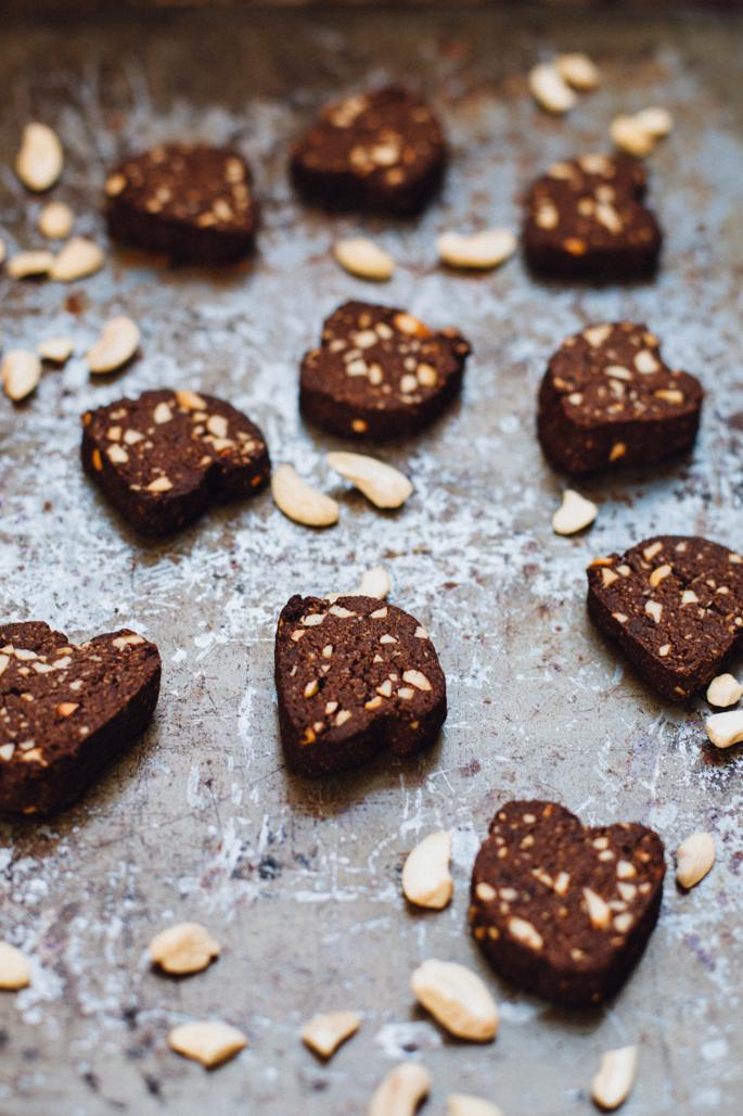 paleo-cocoa-shortbread-cookies-4794.jpg