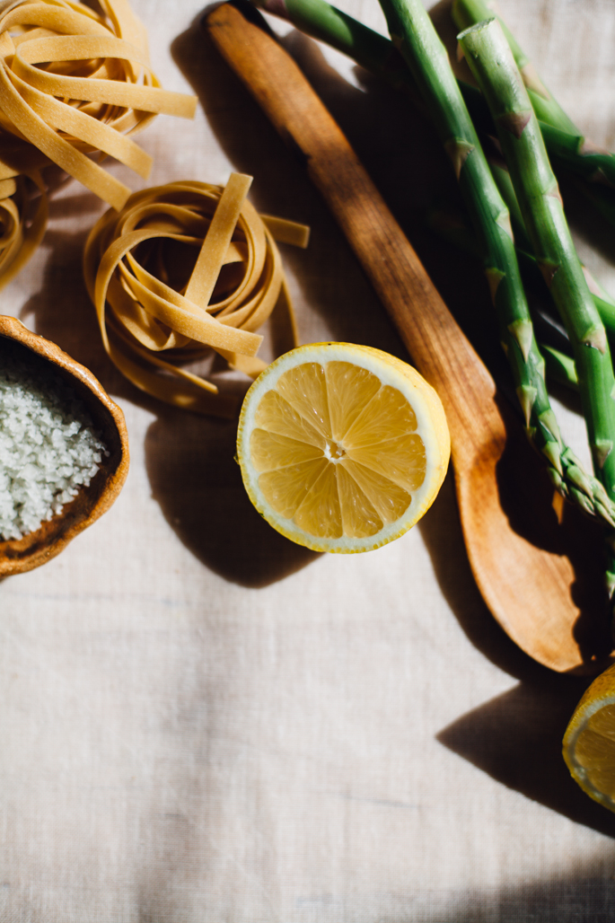 asparagus, smashed garlic, sundried tomato tagliatelle in ghee/lemon sauce | gluten free recipe via will frolic for food
