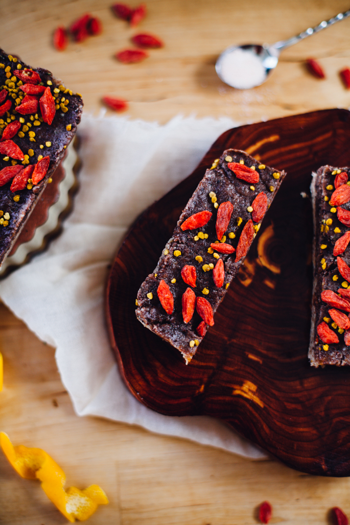 raw goji cacao brain food bars | recipe via will frolic for food