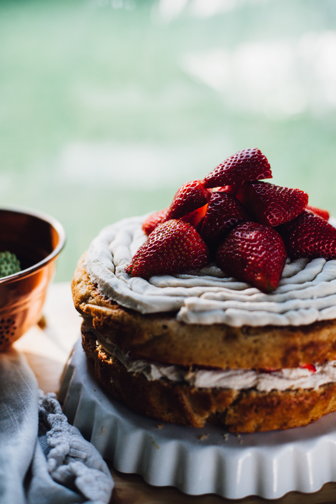 strawberry kombucha cake w/ genius cashew coconut frosting // made with high protein einkorn flour! // vegan recipe via will frolic for food