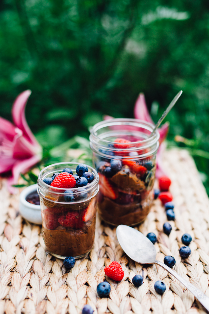 raw chocolate mousse & berry parfaits | vegan and gluten free recipe via will frolic for food