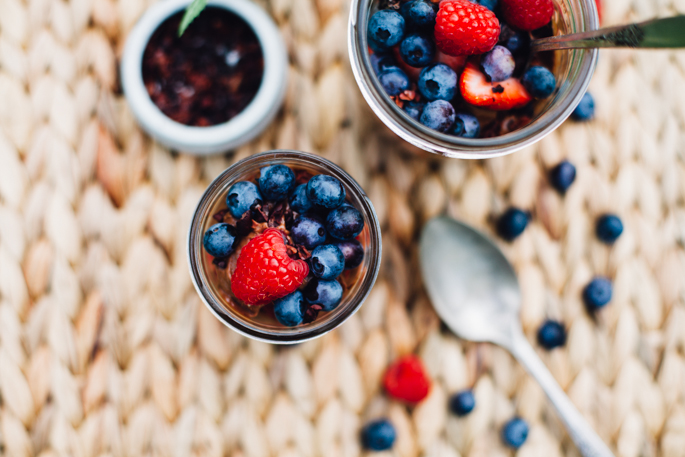 raw chocolate mousse & berry parfaits | vegan and gluten free recipe via will frolic for foodavocado-chocolate-coconut-mousse-berry-parfait-4505