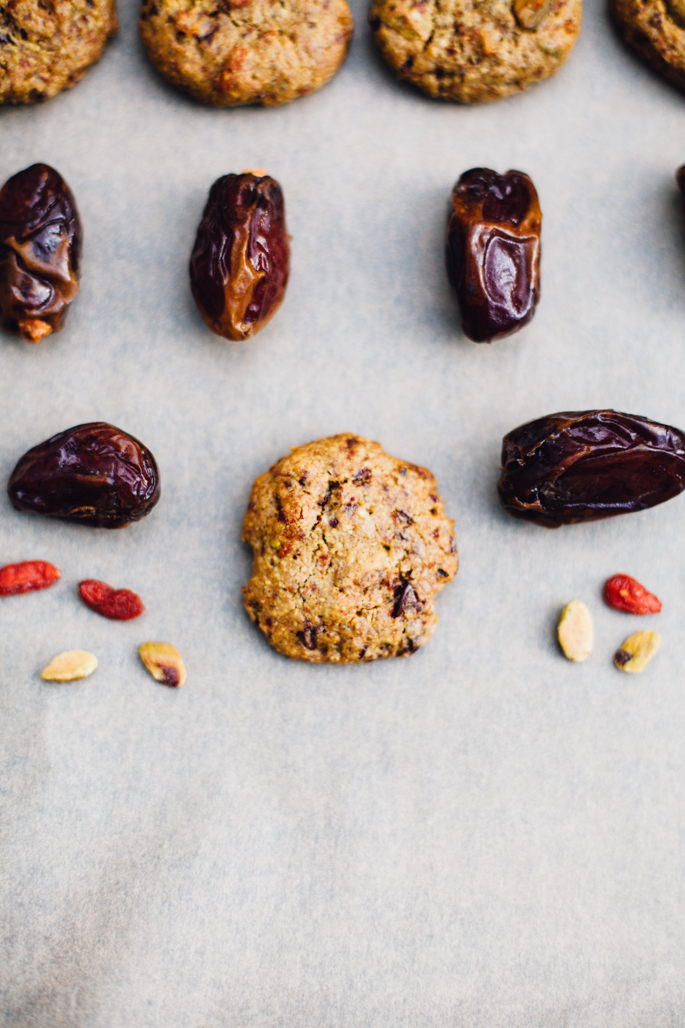 pistachio happy trails cookies // grain-free, date-sweetened cookies that are pillow-soft and perfect as an on-the-go snack or anytime dessert! & the come together in under 20 minutes! gluten free, dairy free recipe via will frolic for food