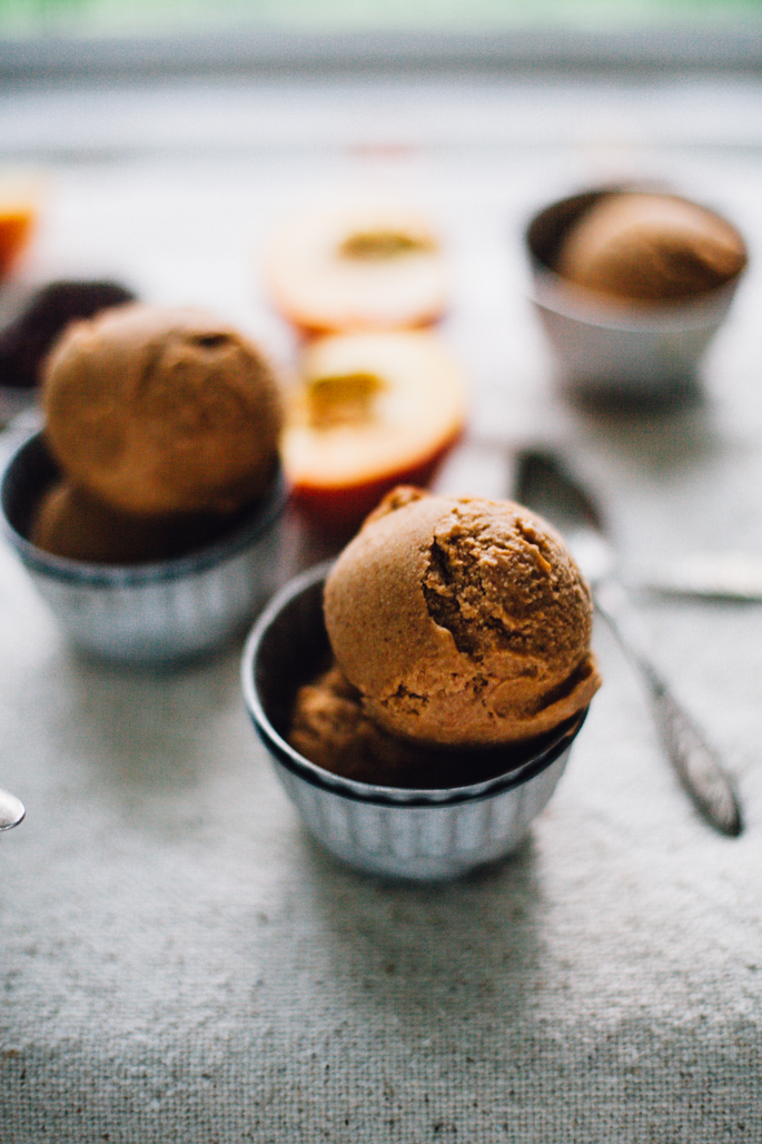 vegan peach butter ice cream with salted dulce de leche | recipe via will frolic for food
