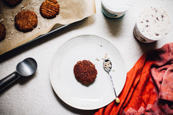 grain free sunflower snickerdoodle ice cream sandwiches | vegan recipe via will frolic for food