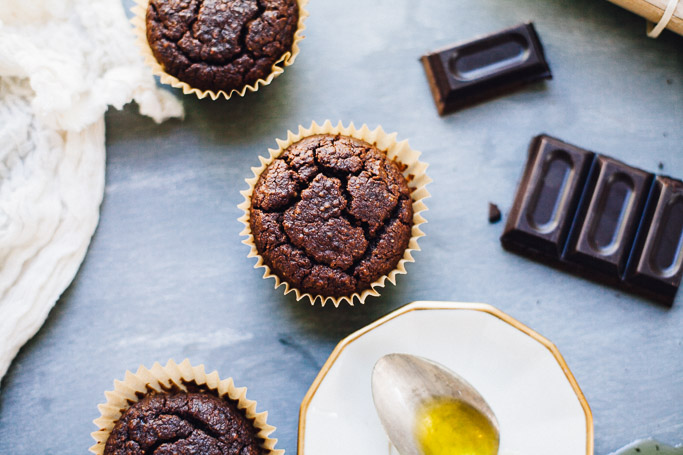 gluten free chocolate olive oil muffins | vegan recipe via willfrolicforfood.com