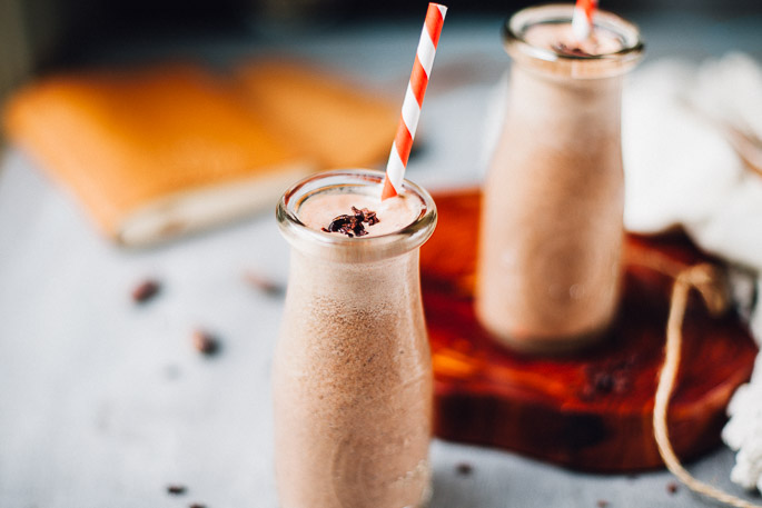 raw vegan chocolate milk | recipe via willfrolicforfood.com