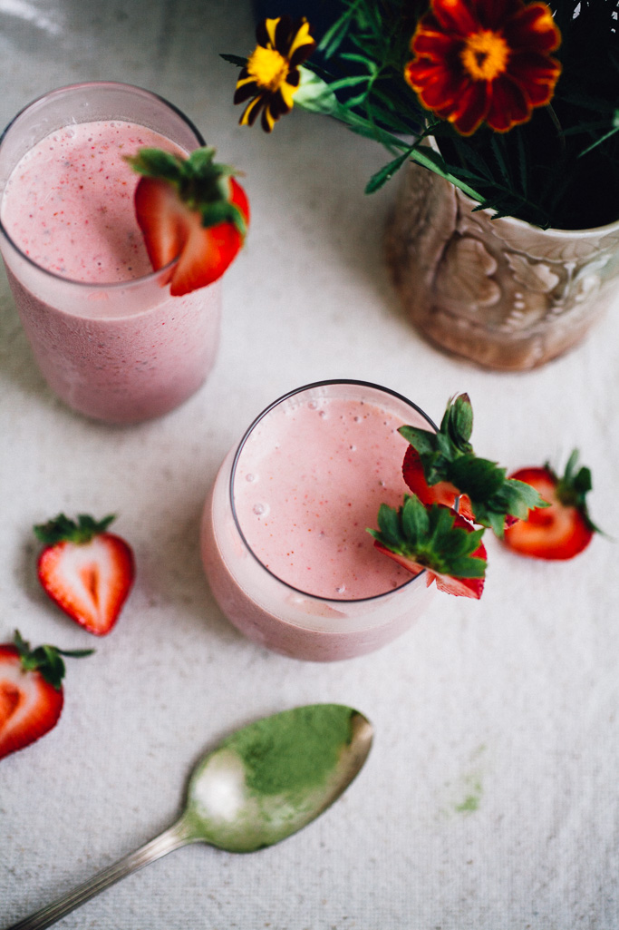strawberry matcha milkshake + lazy matcha granola | vegan recipe via willfrolicforfood.com
