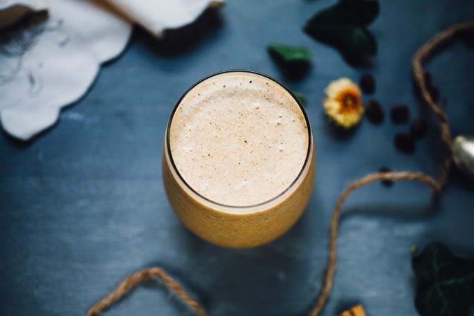 cold brew pumpkin spice frappe | vegan recipe via willfrolicforfood.com