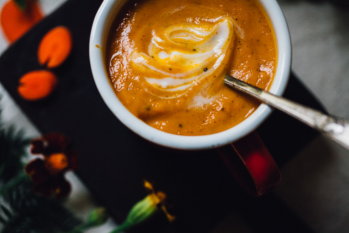 creamy miso carrot soup | vegan recipe via willfrolicforfood.com