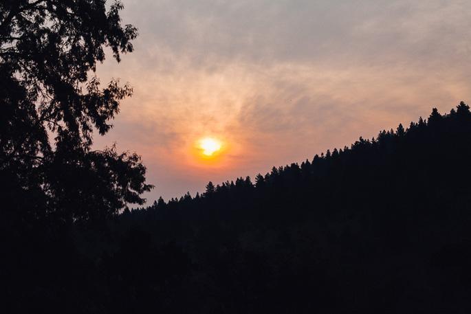 montana sunrise through smoke | willfrolicforfood.com