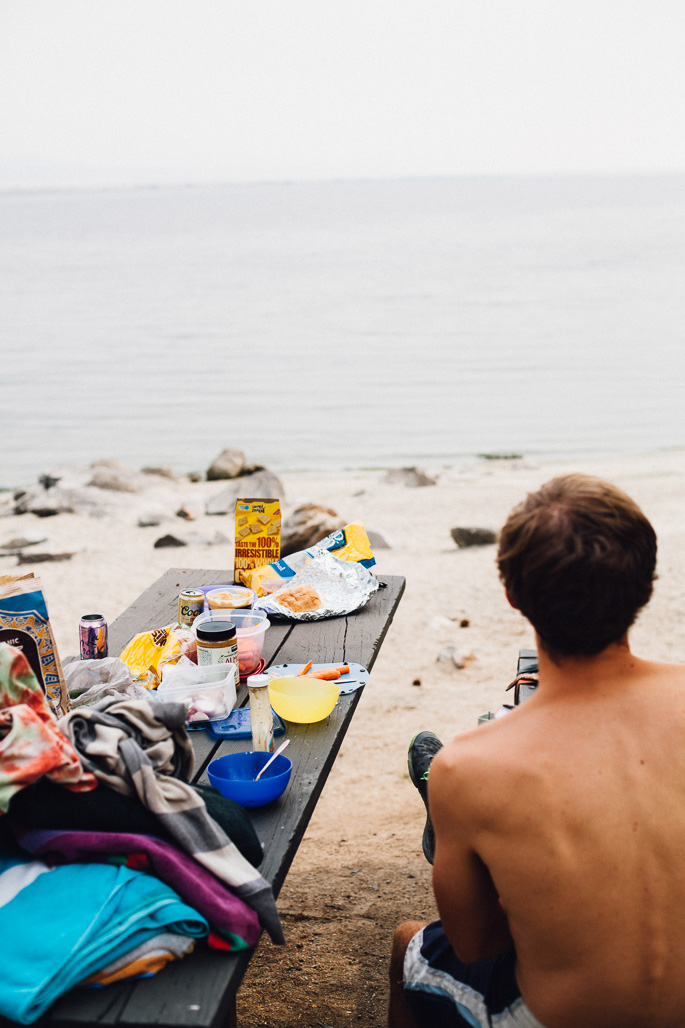 picnicking at a lake in montana | willfrolicforfood.com