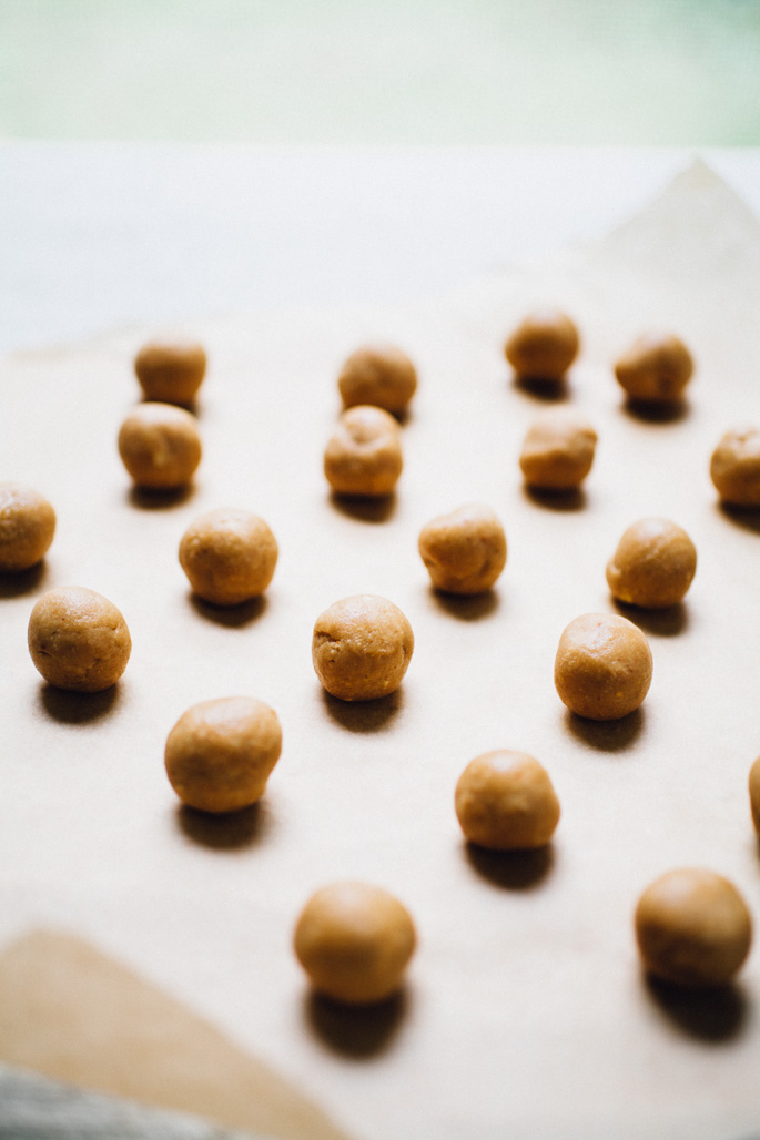 toasted cashew butter truffles | vegan recipe via willfrolicforfood.com