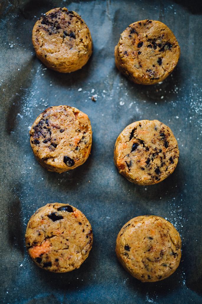 vegan sweet potato chocolate chip scones | recipe via willfrolicforfood.comvegan sweet potato chocolate chip scones | recipe via willfrolicforfood.com