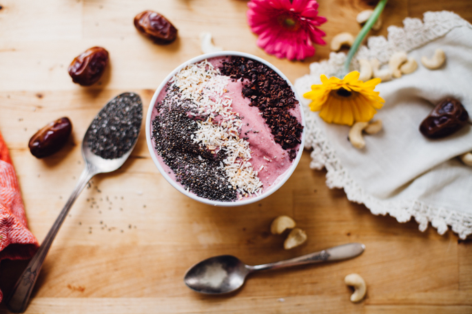 spring awakening strawberry smoothie bowl | willfrolicforfood.com