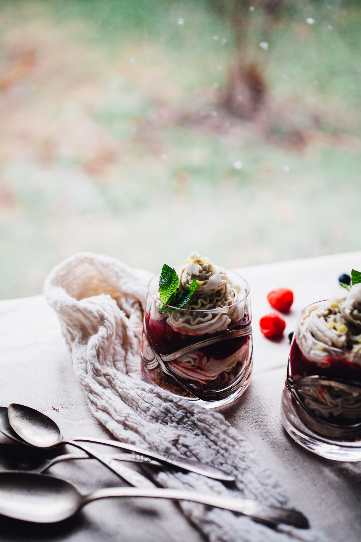 almost raw vegan cheesecake cups | recipe via willfrolicforfood.com