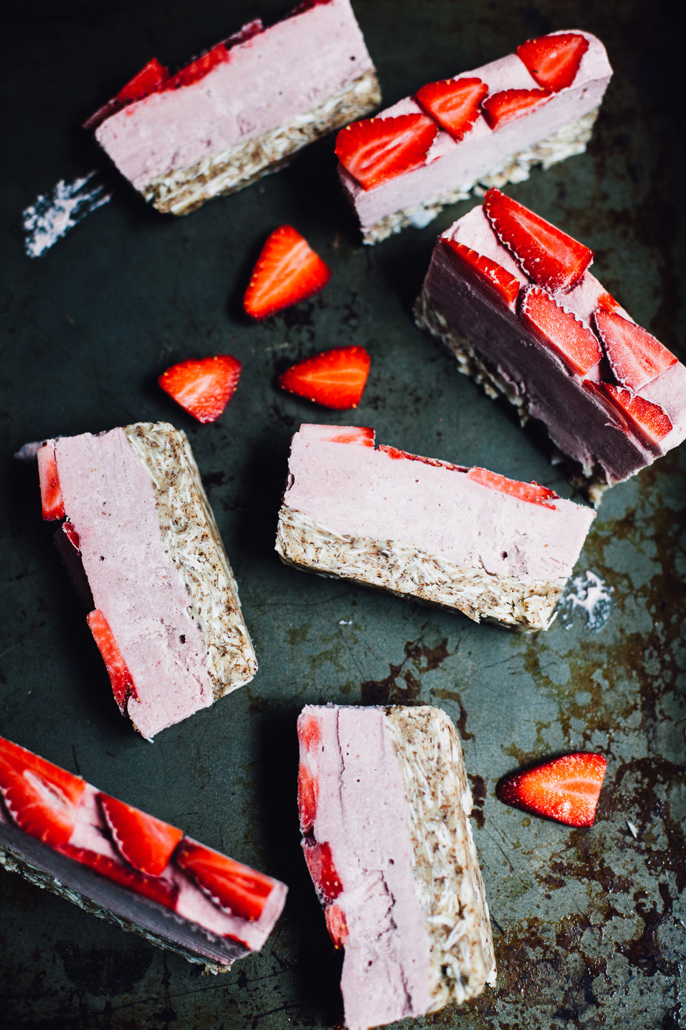 raw vegan strawberry banana ice cream cake | recipe via willfrolicforfood.com