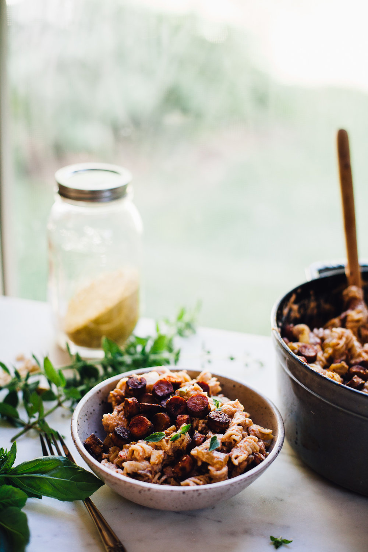 "vegan (and gluten free) ""beanie-weenie"" mac n cheese! recipe via willfrolicforfood.com"