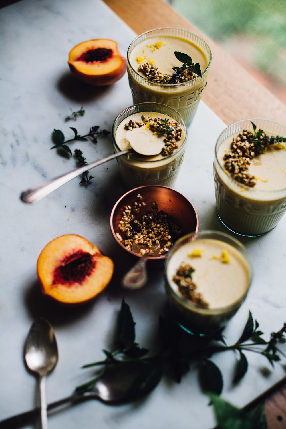 vegan vanilla peach panna cotta | recipe via willfrolicforfood.com