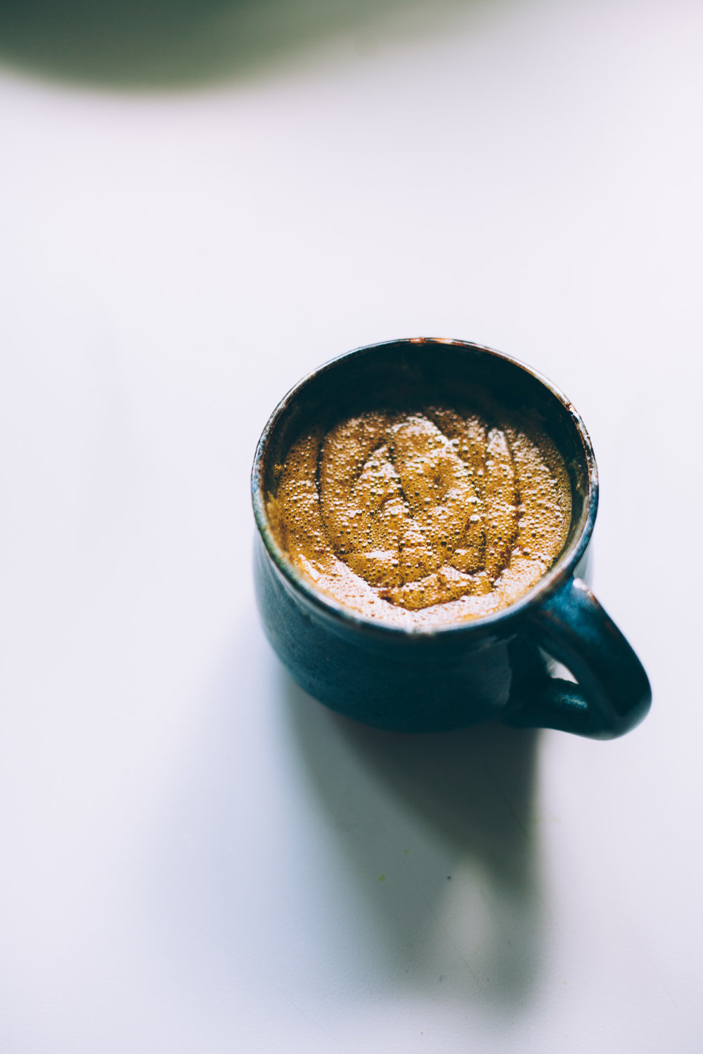 golden milk mocha | vegan recipe via willfrolicforfood.com