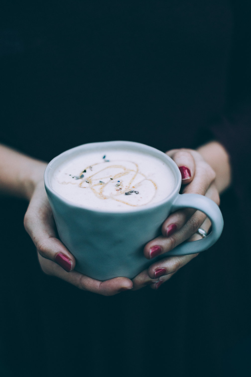 Lavender London Fog Latte (vegan, made with coconut butter and dates) | recipe via willfrolicforfood.com