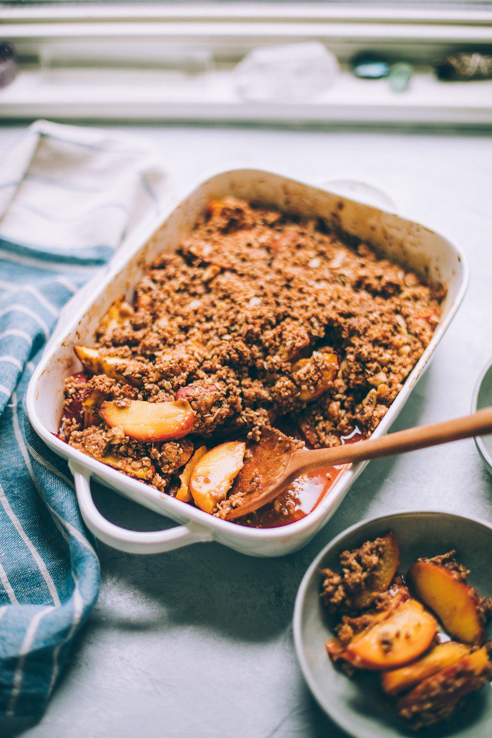 vegan peach crumble with walnut oat crumble, southern style | coconut oil crumble | vegan crisp recipe | healthy fruit crumble recipe | southern peach crisp