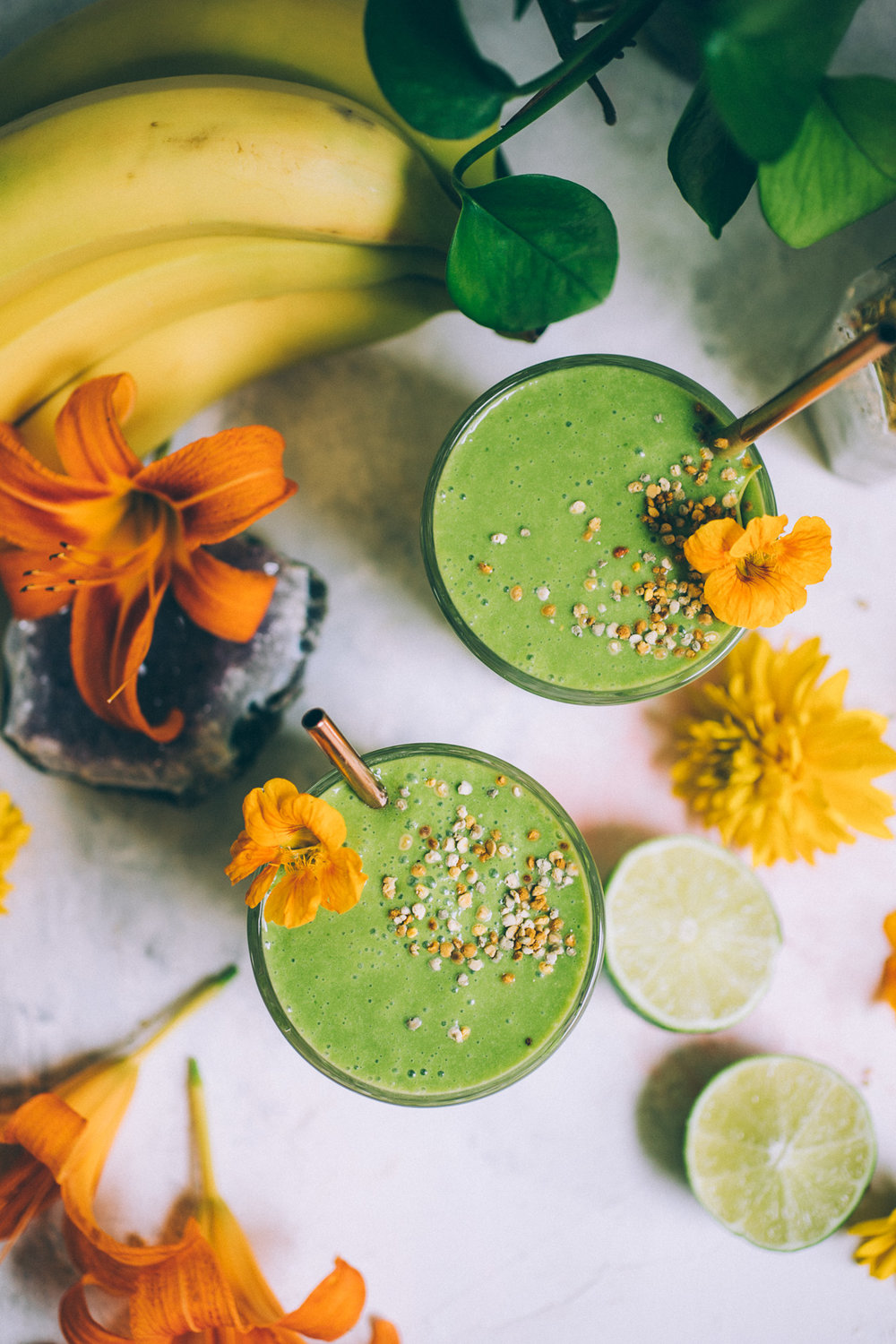 green-a-colada! a pineapple coconut kale smoothie