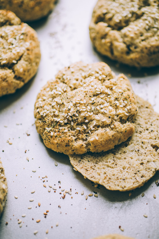 grain free paleo burger buns recipe | almond tapioca coconut flour burger buns | healthy homemade buns