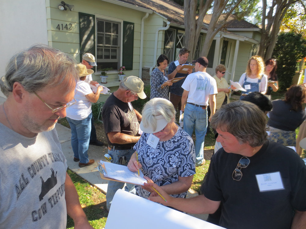 Attend a Workshop - Water LA presents a series of hands-on workshops on residential sites (our pilot properties) throughout the year.  If you'd like to learn more about these simple strategies and get your hands dirty doing it, sign up to attend a workshop.