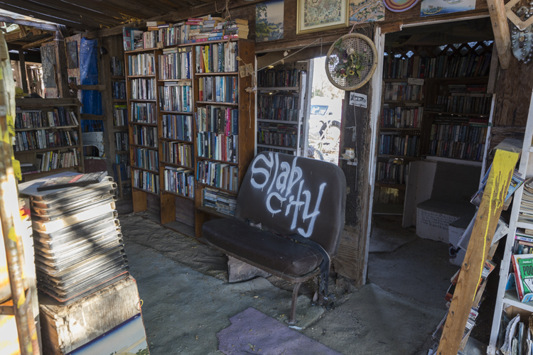 Slab City free library