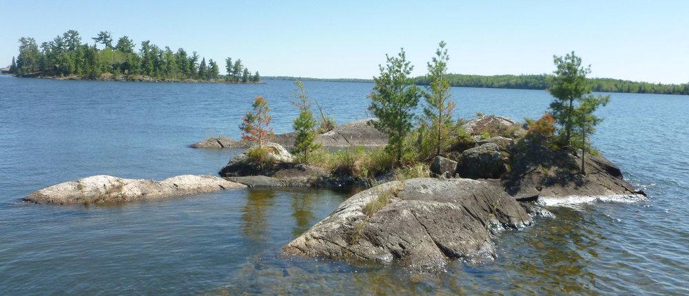 Islands-on-lake-1500x430.jpg