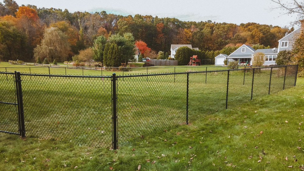hartford-fence-company-residential-chain-link-black-2.jpg