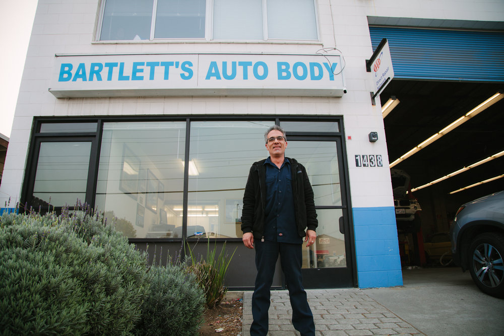 HISTORY - Established in 1948.Bartlett's Auto Body was started by Gene Bartlett in 1948. After working with his father for many years, Jeff Bartlett took over the shop in 1982 and moved it to Belmont. Jeff is taking it easier these days and Pete Mercurio is continuing Jeff's legacy of excellent work and customer service.