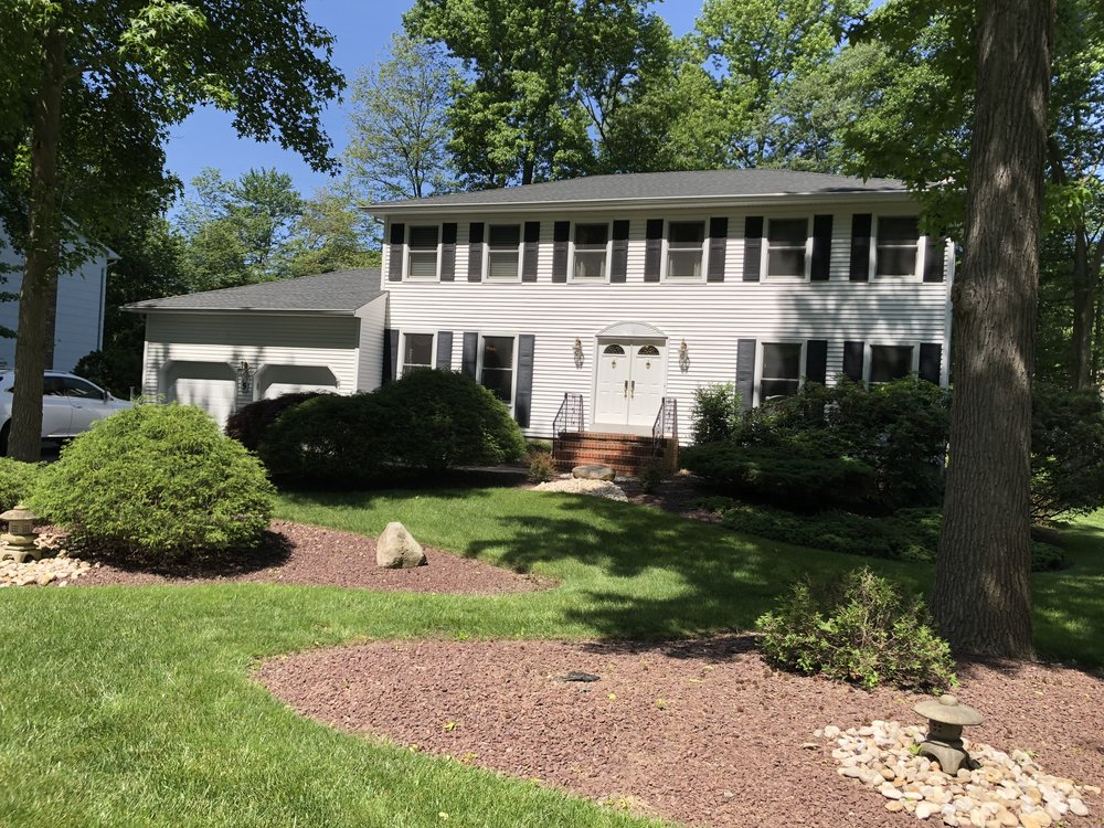 5 Richard Ct, Manalapan $589,000 Gail Szeluga & Joanna Siminerio