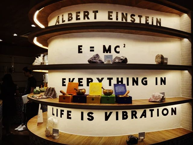 @spaesprit  #shima_healing #alberteinstein #everythingisvibration #ancientsingingbowls #tibetansingingbowl #life #spa #massage #everythingisfrequency