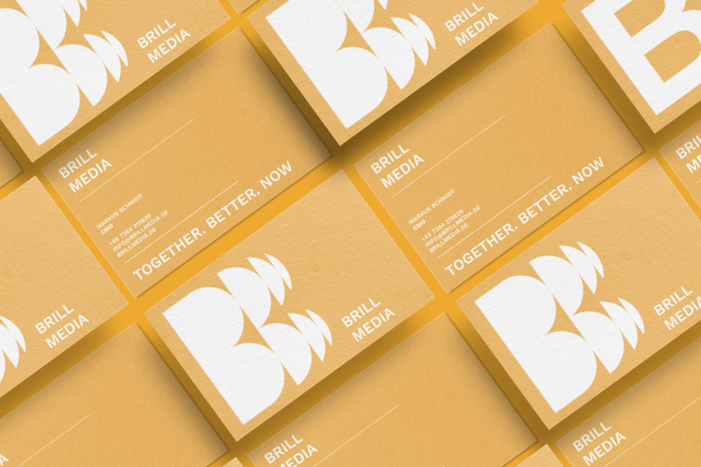 brill-media-visitenkarte-printmedien-brand-identity-marketing-okkyo.jpeg