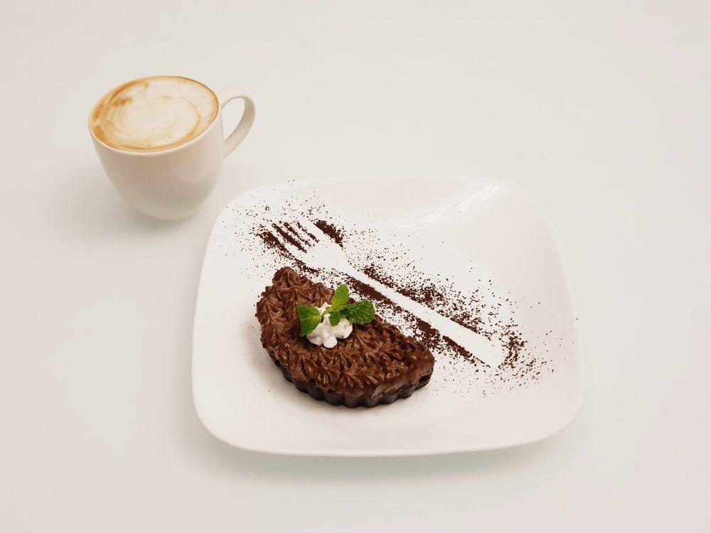 Hot Beverage & Dessert @Rs.300 only