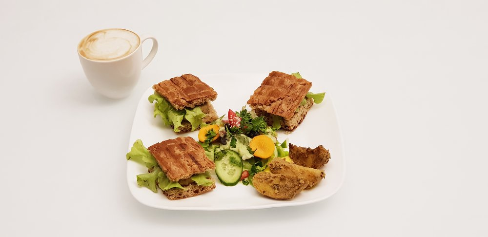 Hot Beverage & Sandwich @Rs.375 only
