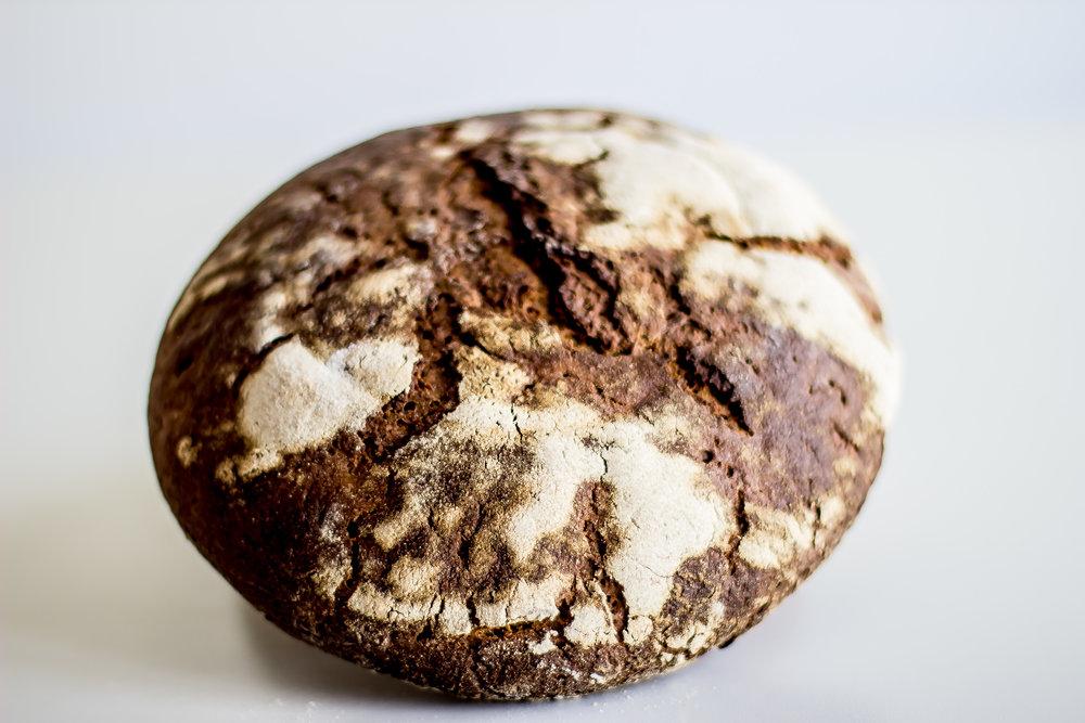 Pan de Centeno de Grano Completo - Harina de Centeno Molida a la Piedra de Grano Completo