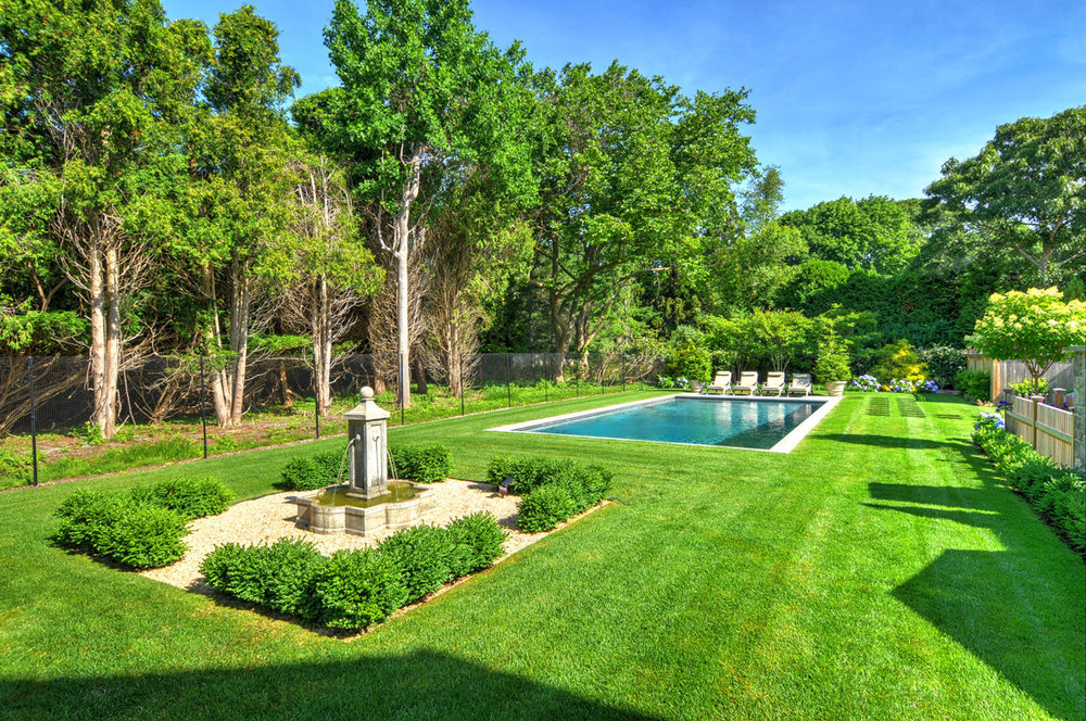 MKL_Construction_Hamptons_Building_Traditional_East_Hampton_Eleens_path021.jpg