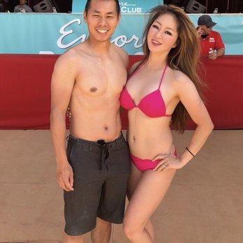 Las Vegas pool Party Dress Code