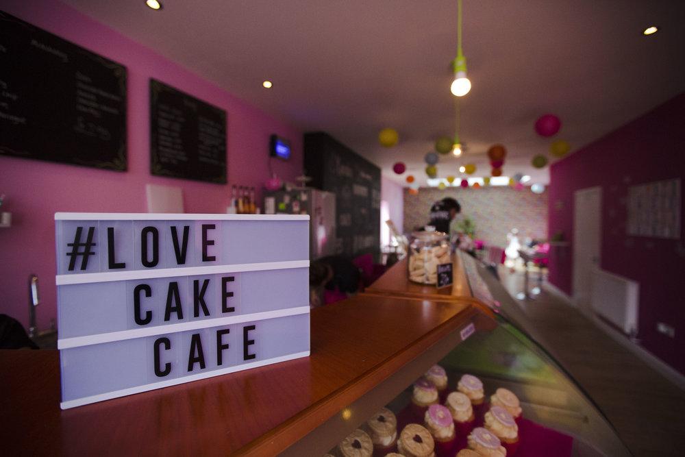 love cake int.JPG