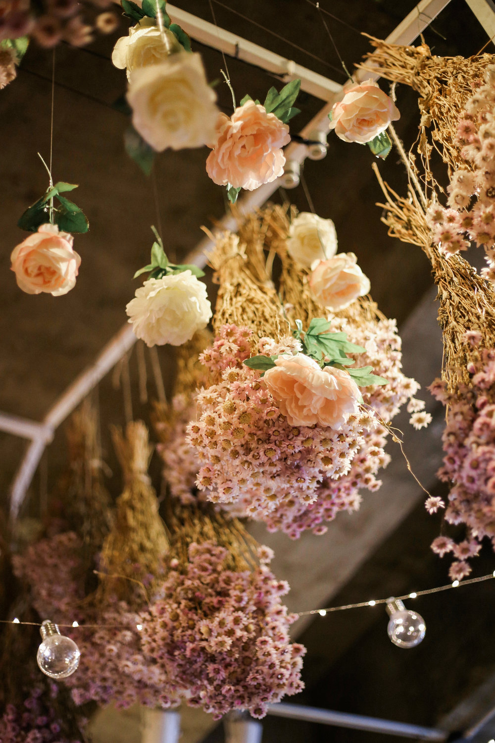 Florals for Spring | On the Street Where We Live (aretherelilactrees.com)  Cafe Arriate, Seoul