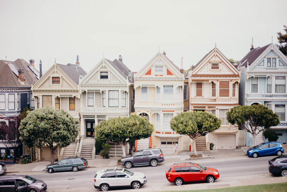 72 Hours in San Francisco | On the Street Where We Live (aretherelilactrees.com)  Painted Ladies, Alamo Square, Everlane, denim
